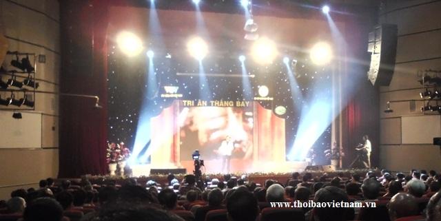 Tổ chức sự kiện Trần Gia - Tạo hiệu ứng âm thanh, ánh sáng cho sân khấu chuyên nghiệp