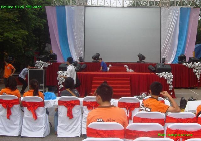 Tổ chức sự kiện Trần GIa - Cung cấp hạng mục âm thanh, ánh sáng cho sân khấu chính